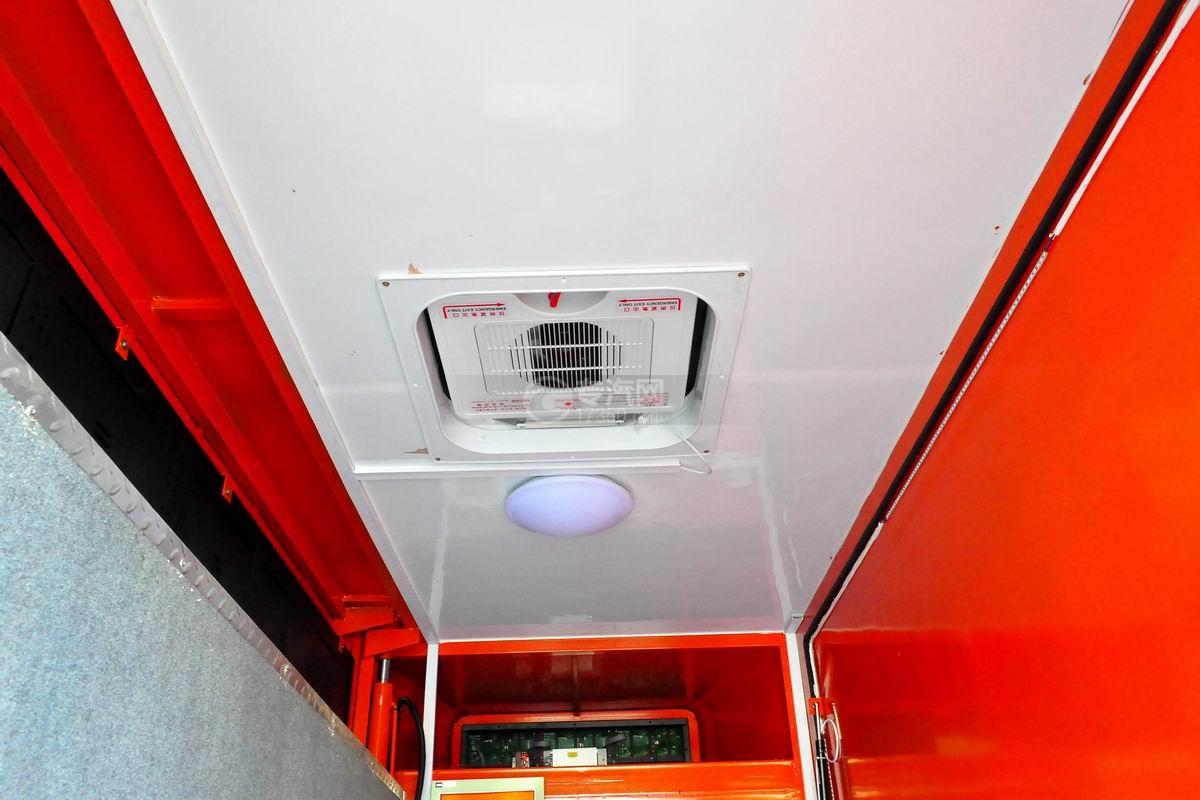 福田驭菱VQ2 LED广告宣传车上装天窗