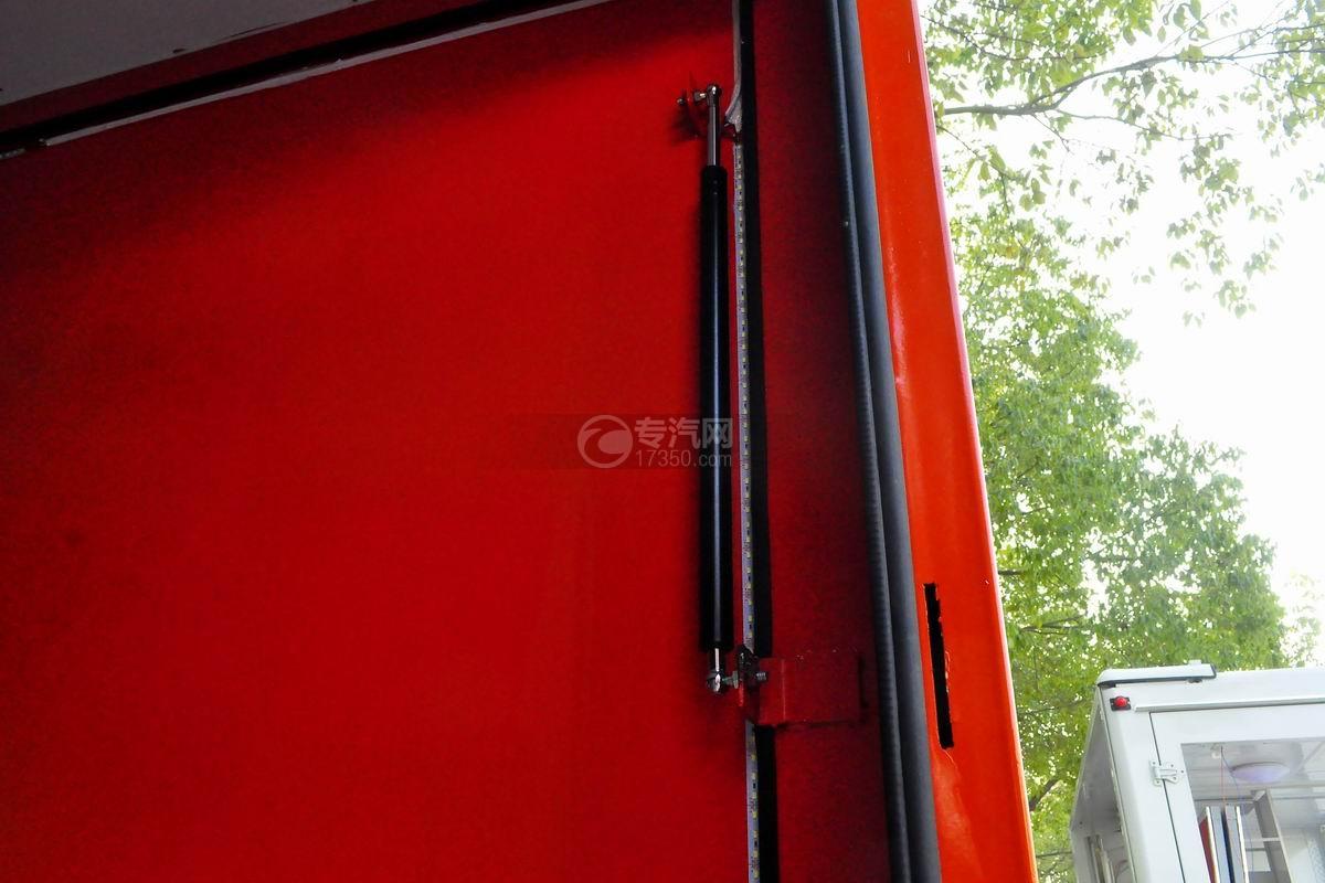 福田驭菱VQ2 LED广告宣传车液压缸