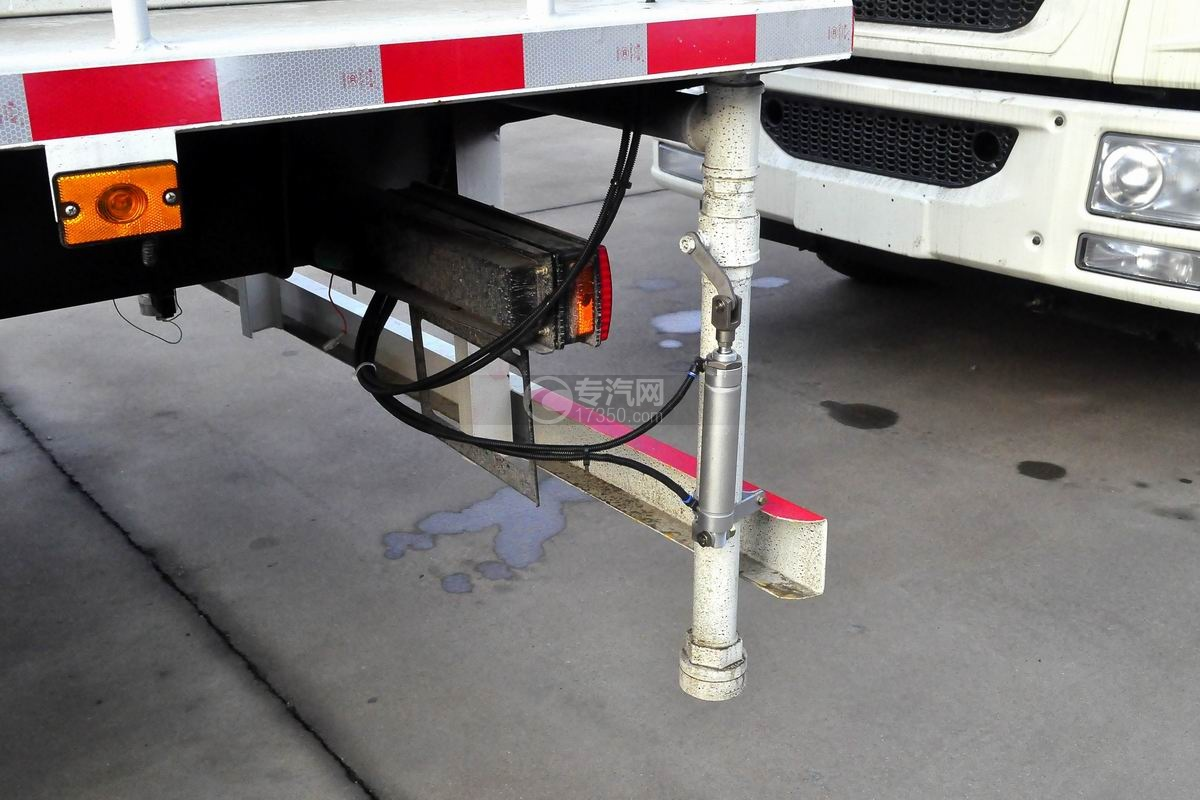 解放龙V单桥抑尘车细节