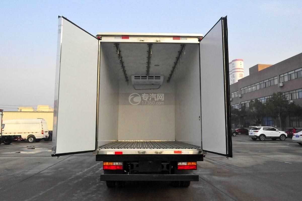 大运奥普力排半肉钩冷藏车车厢