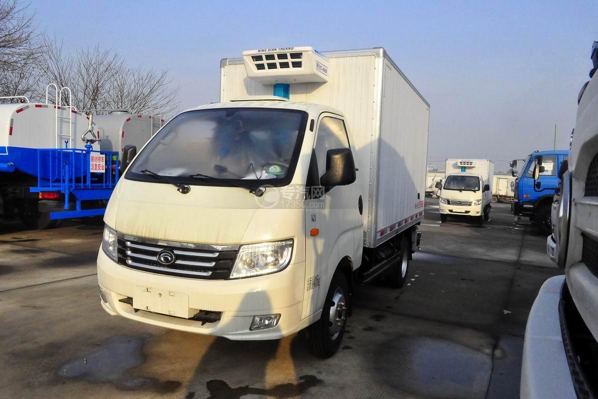 福田宝瑞K1冷藏车左前图