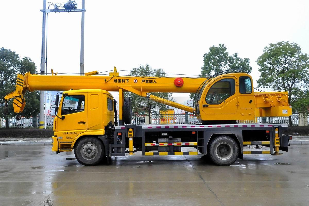 陕汽轩德6系12吨汽车起重机左侧图