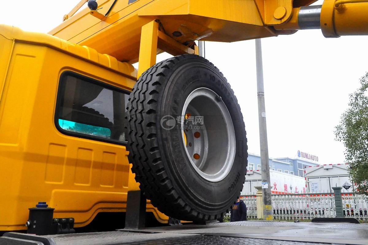 陕汽轩德6系12吨汽车起重机备胎
