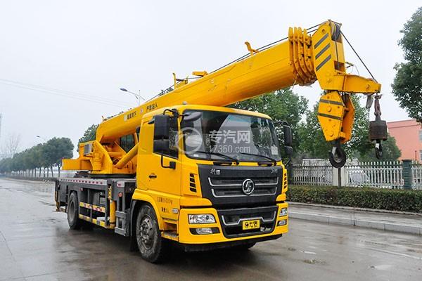 陕汽轩德6系12吨汽车起重机右前45度图