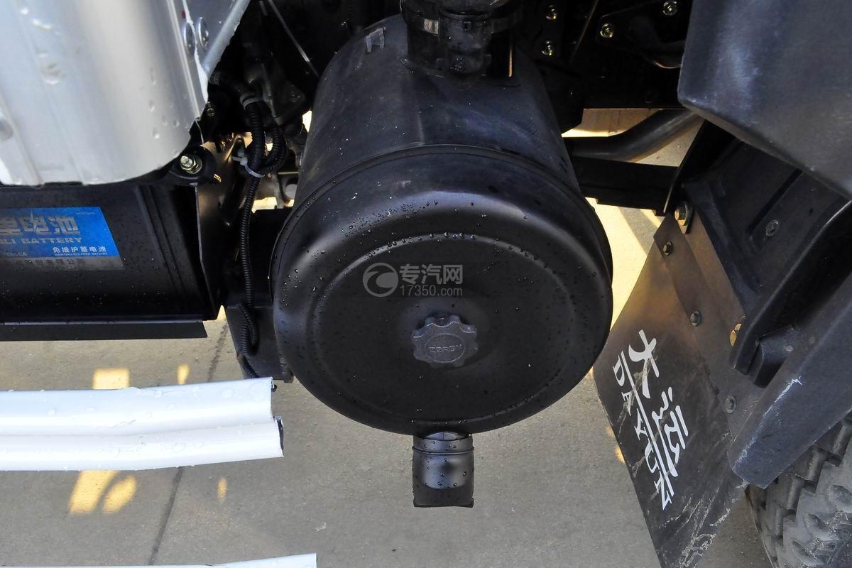 大运奥普力4.1米肉钩冷藏车细节