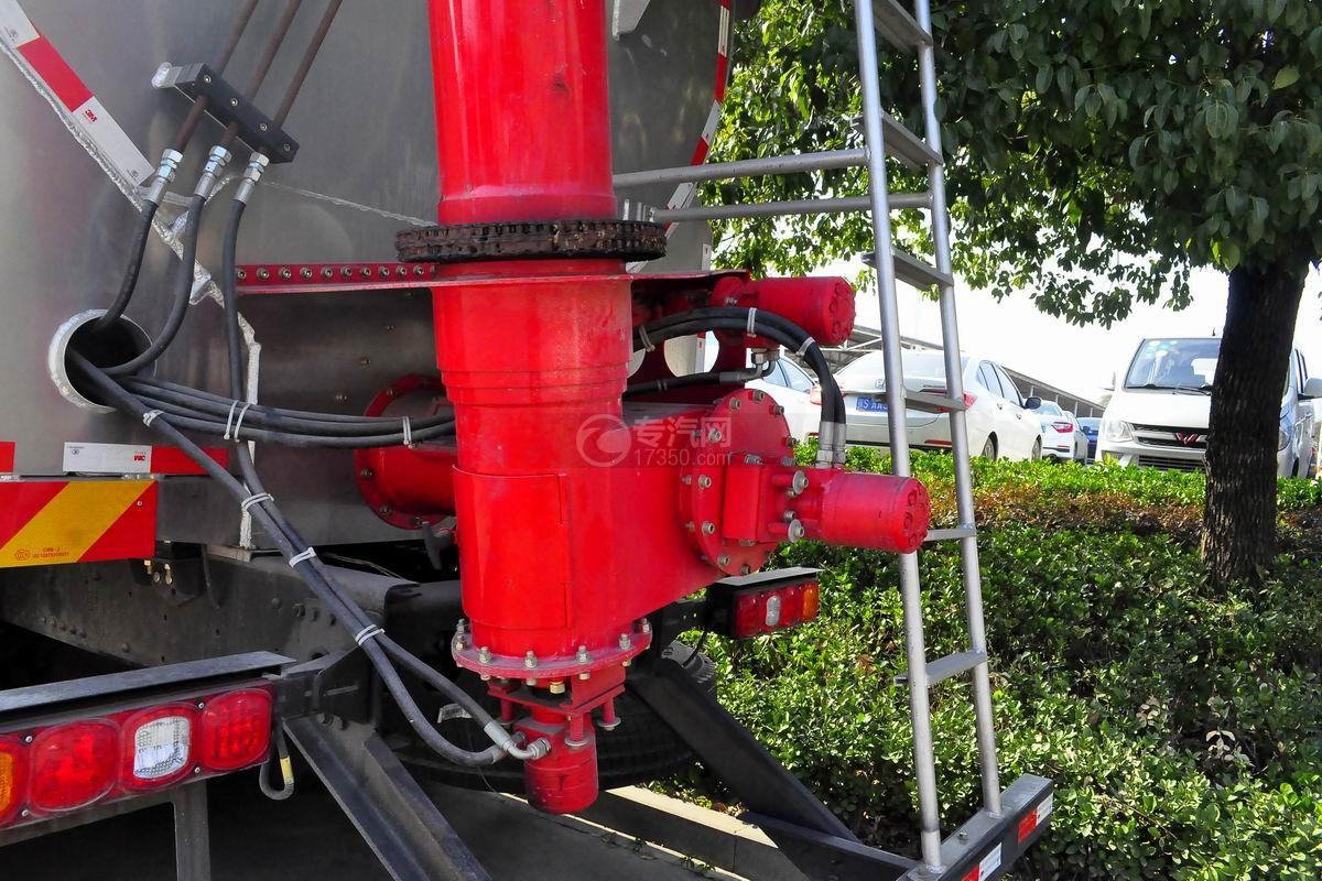 陕汽德龙X3000前四后八散装饲料运输车上装绞龙装置