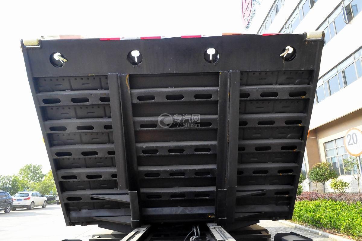 东风多利卡D8一拖二平板清障车平板细节