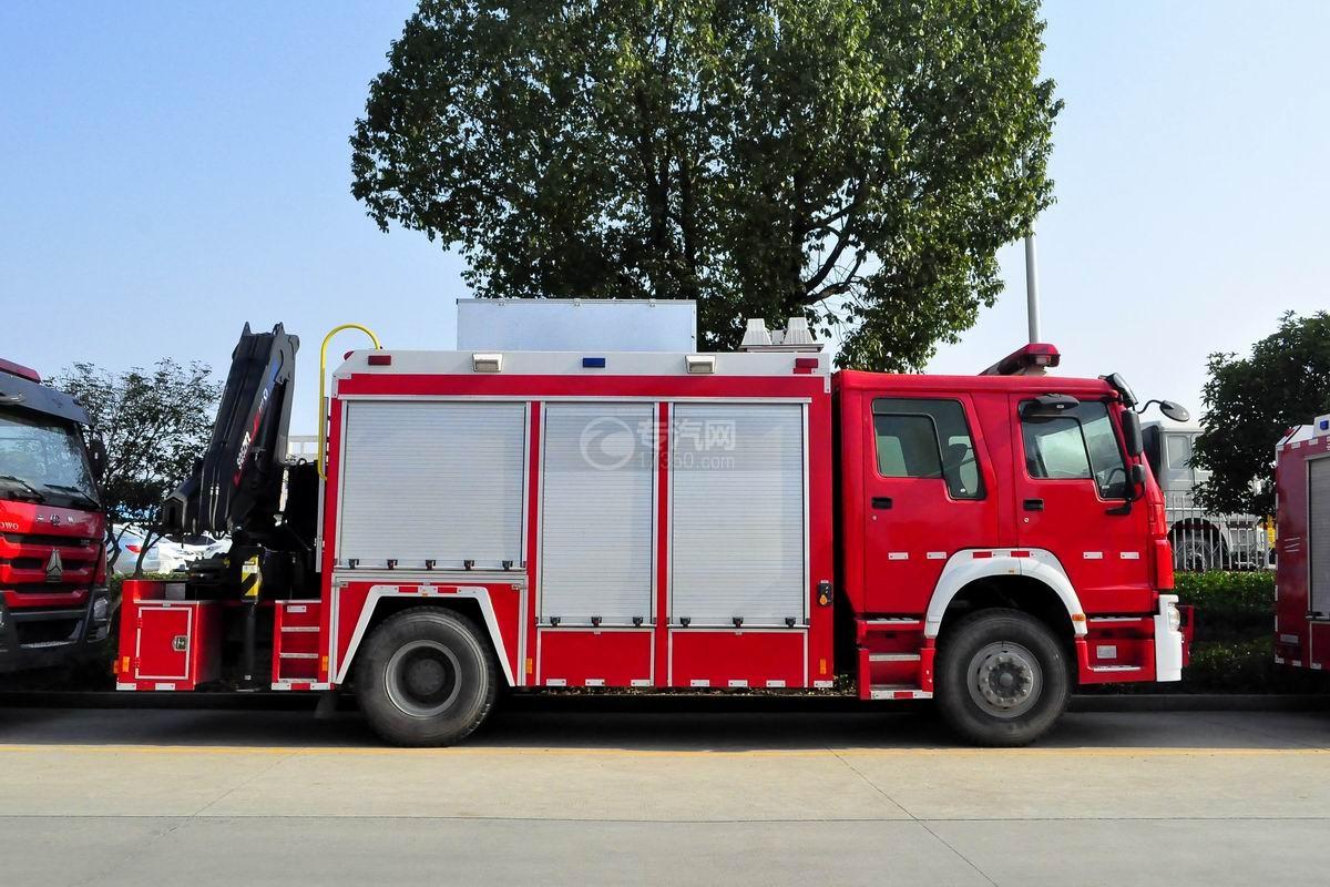 重汽豪沃单桥抢险救援消防车侧面图