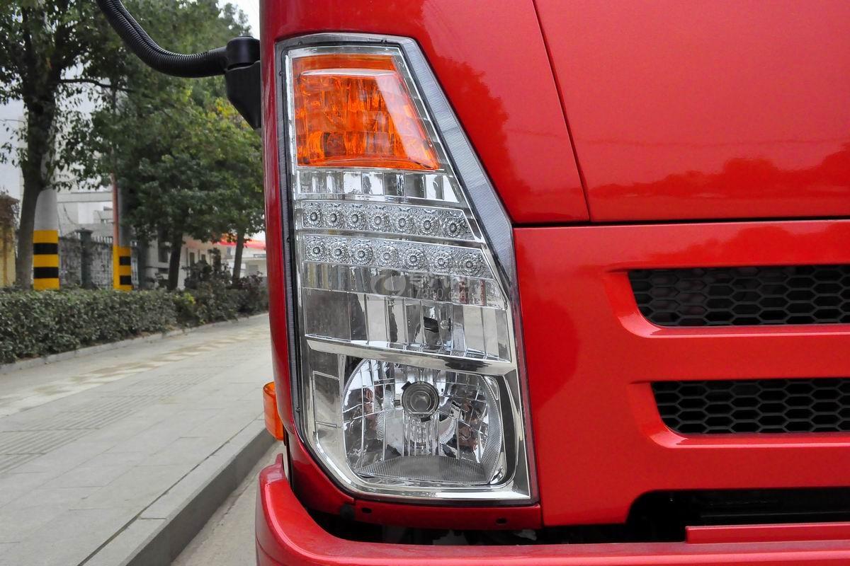 大运奥普力一拖二平板清障车(红色)车灯