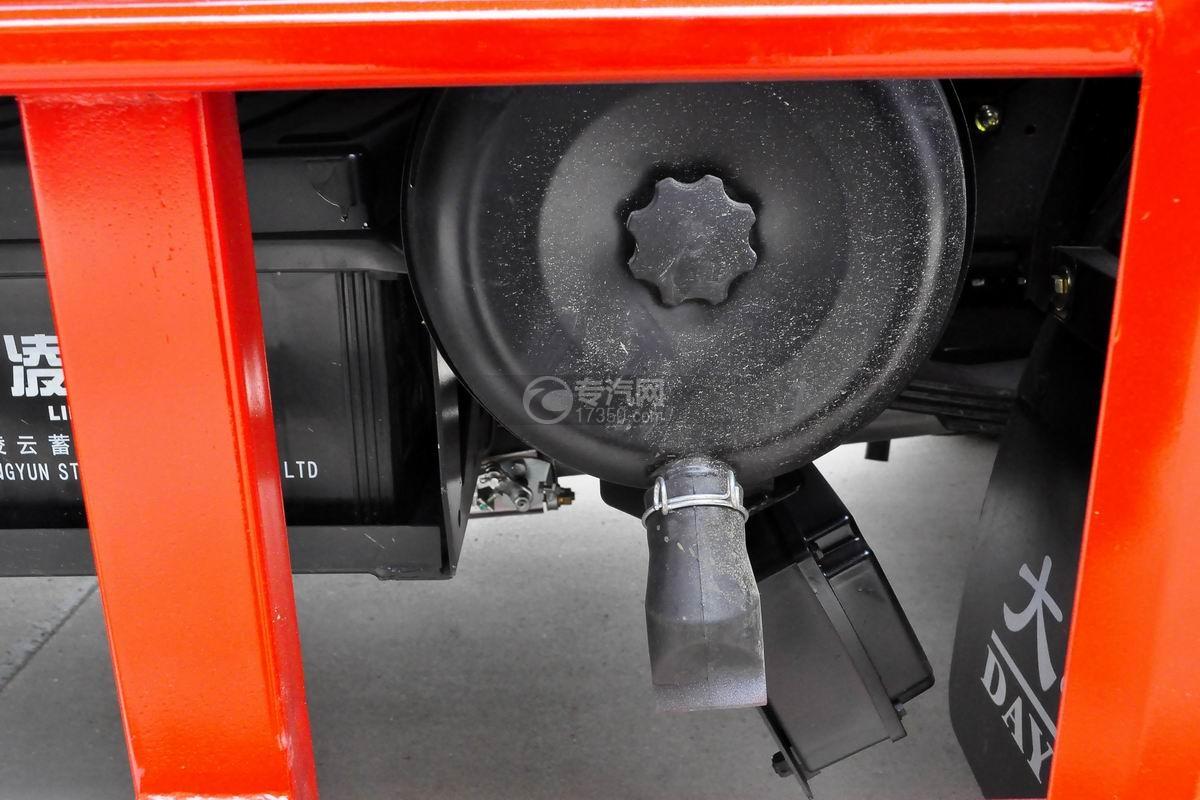 大运奥普力一拖二平板清障车(红色)细节