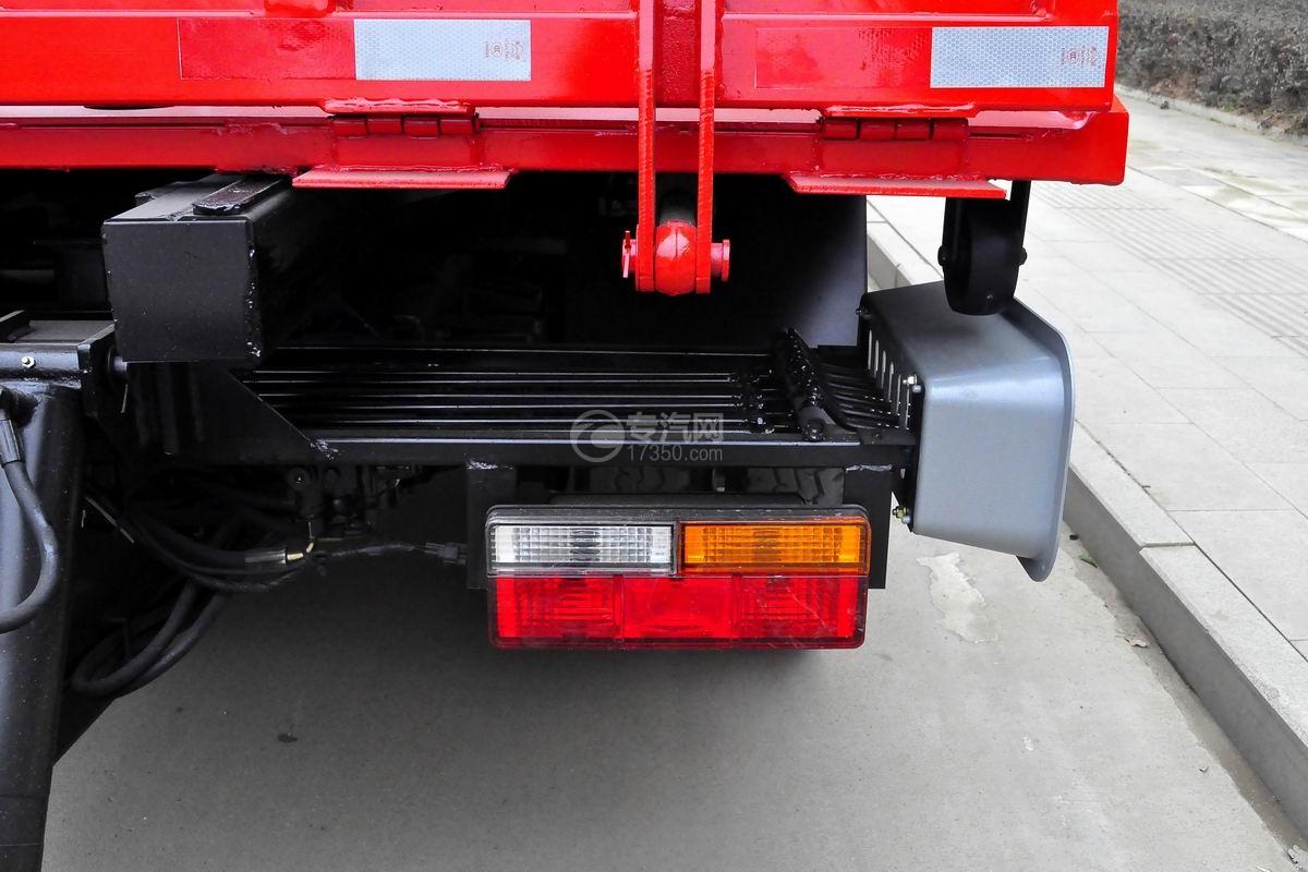 大运奥普力一拖二平板清障车(红色)尾灯