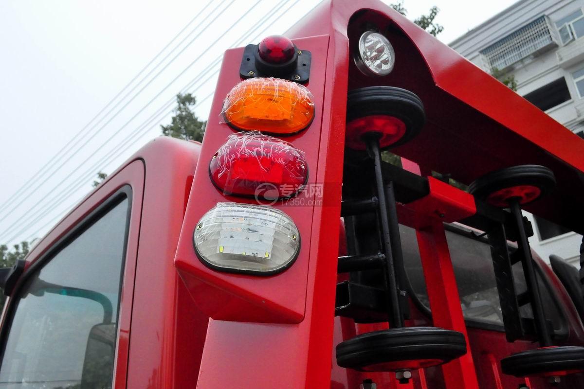 大运奥普力一拖二平板清障车(红色)警示灯