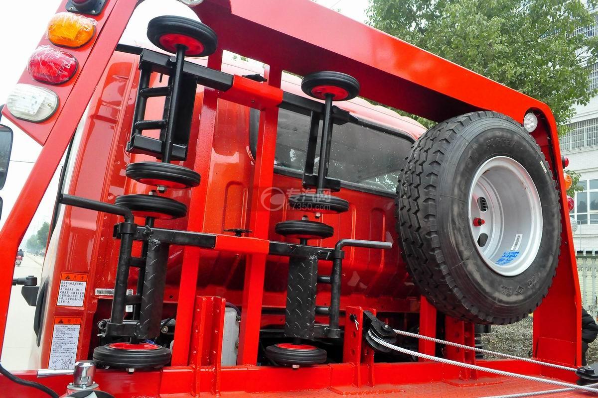 大运奥普力一拖二平板清障车(红色)辅助小车