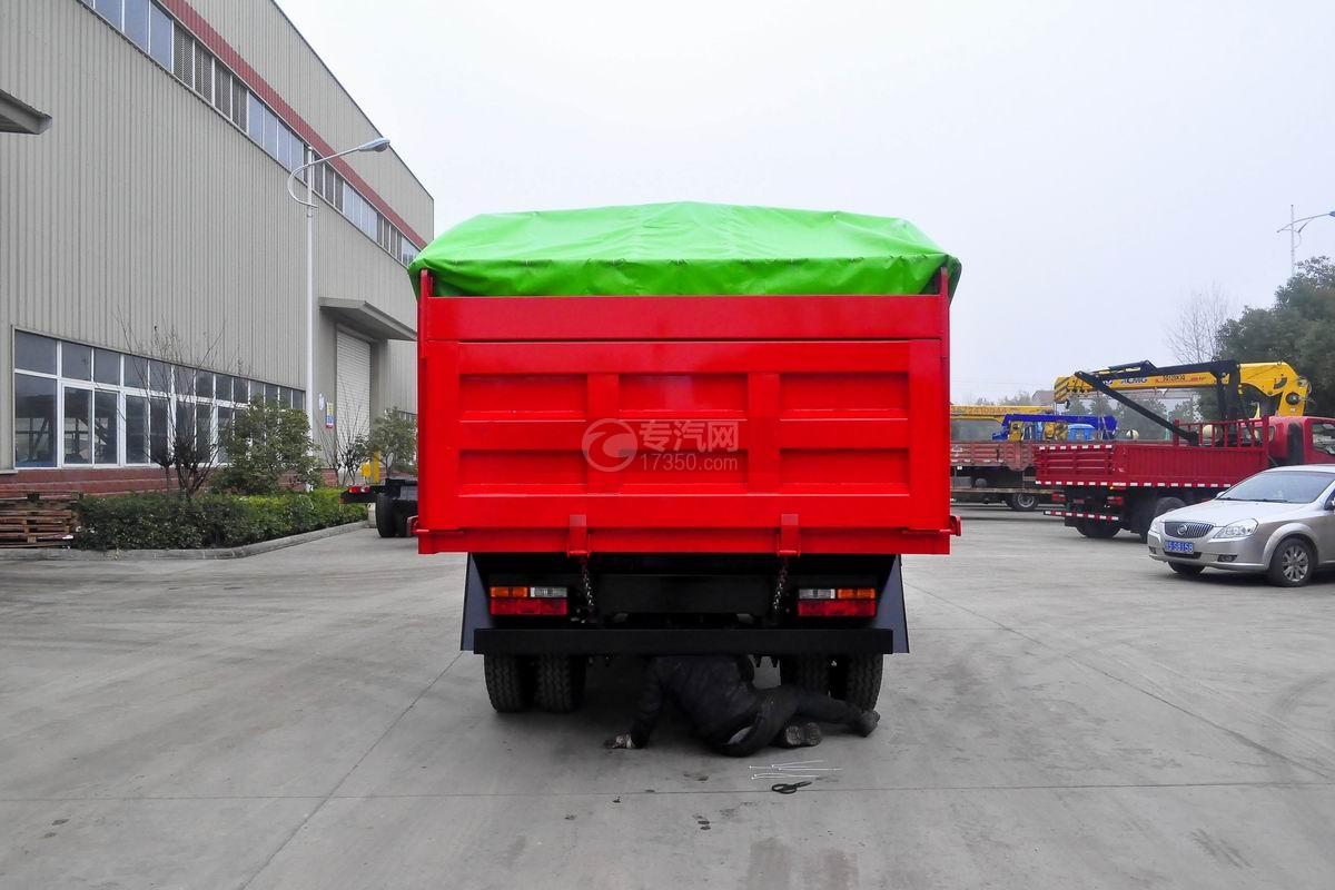 大运奥普力单排带篷布自卸式垃圾车后方图