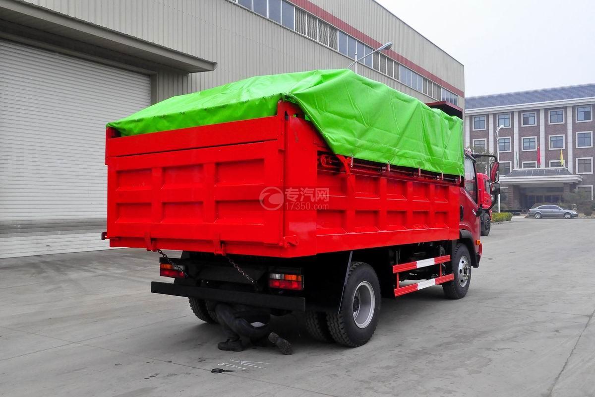 大运奥普力单排带篷布自卸式垃圾车侧后方图