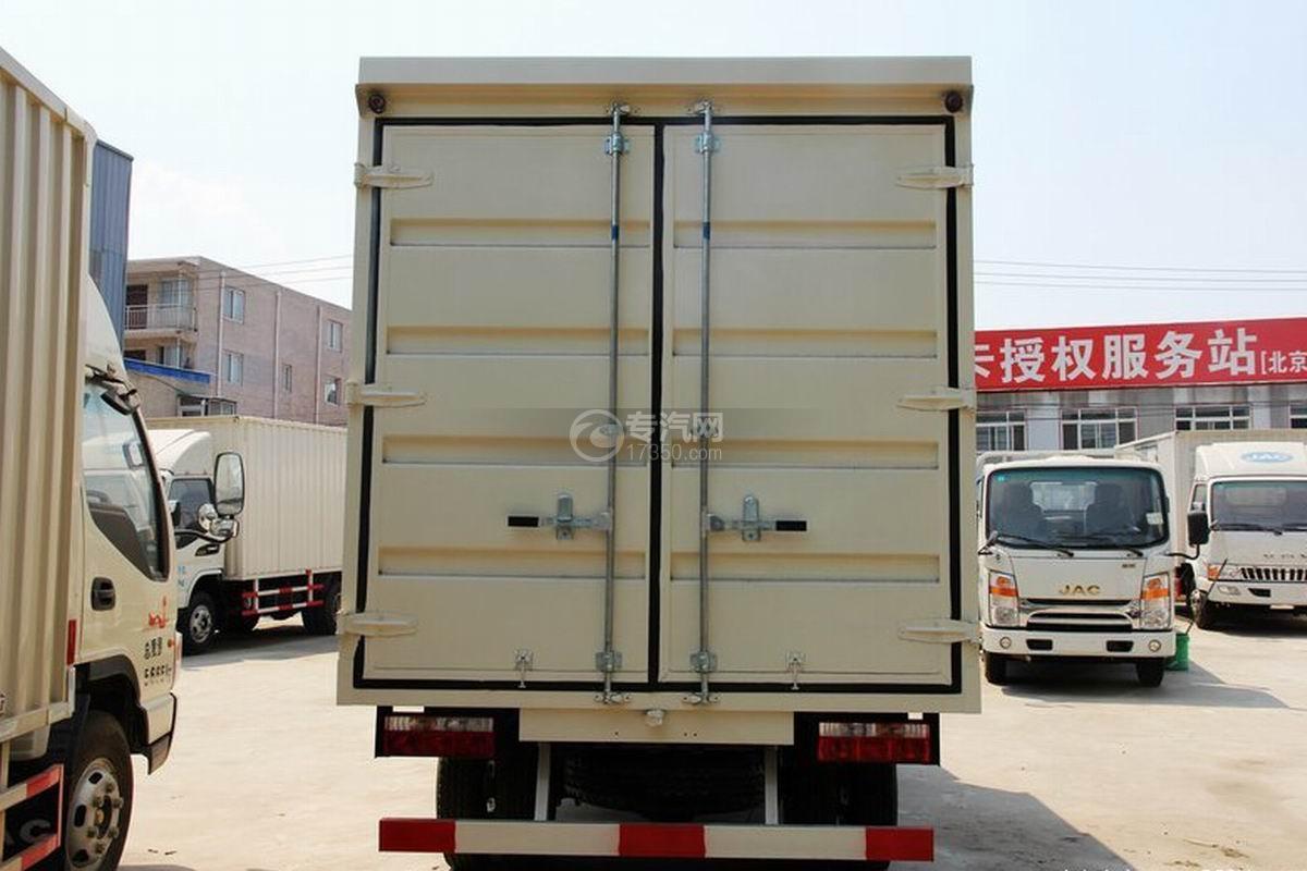 江淮骏铃H330单排4.15米厢式货车货厢后部