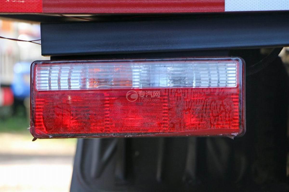 江淮帅铃Q3排半5.2米厢式货车尾灯