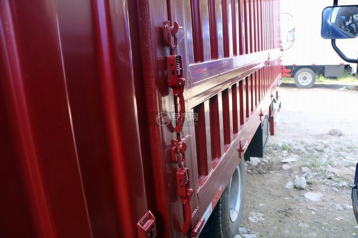 江淮帅铃Q3排半5.2米厢式货车货厢细节