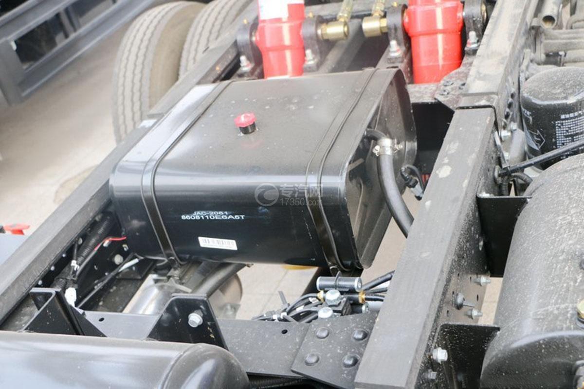 江淮骏铃4.15米自卸车液压油箱