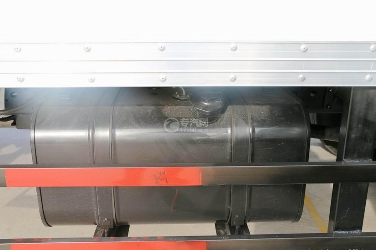 江淮康玲H3�闻�4.15米��式��油箱