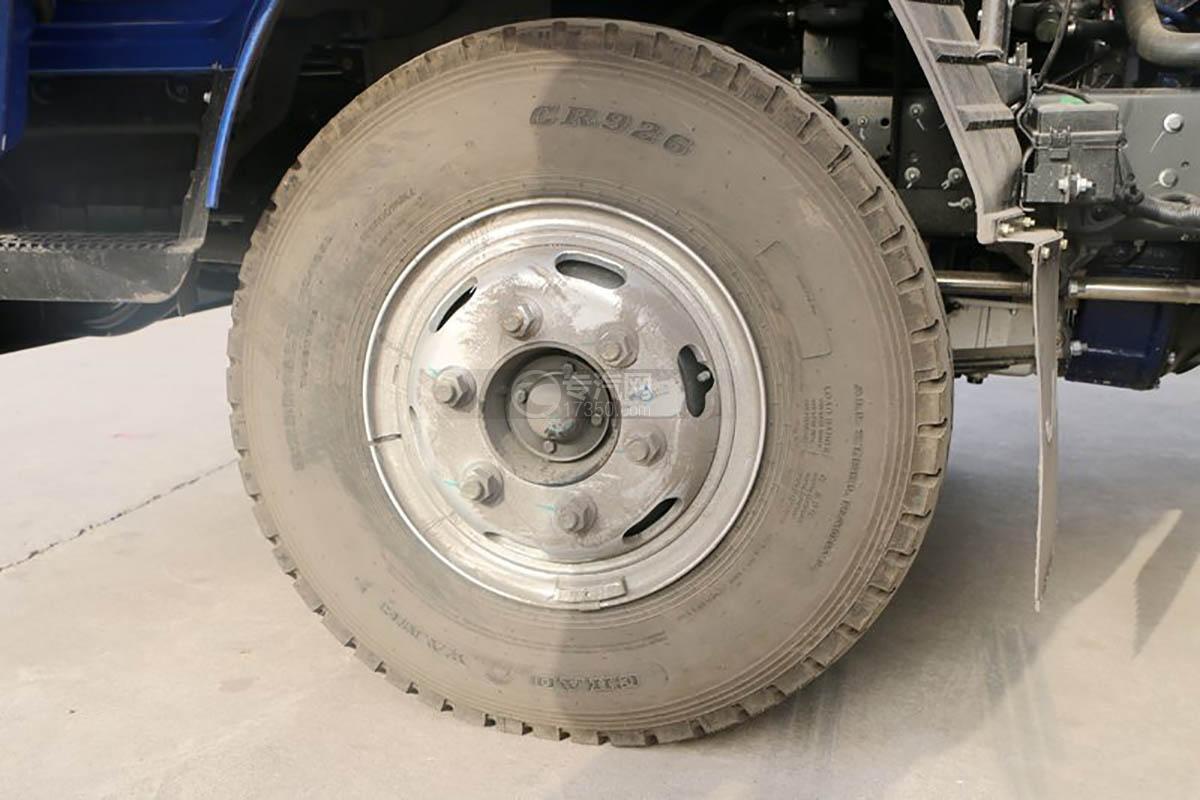 江淮康铃H5单排4.18米仓栅车轮胎