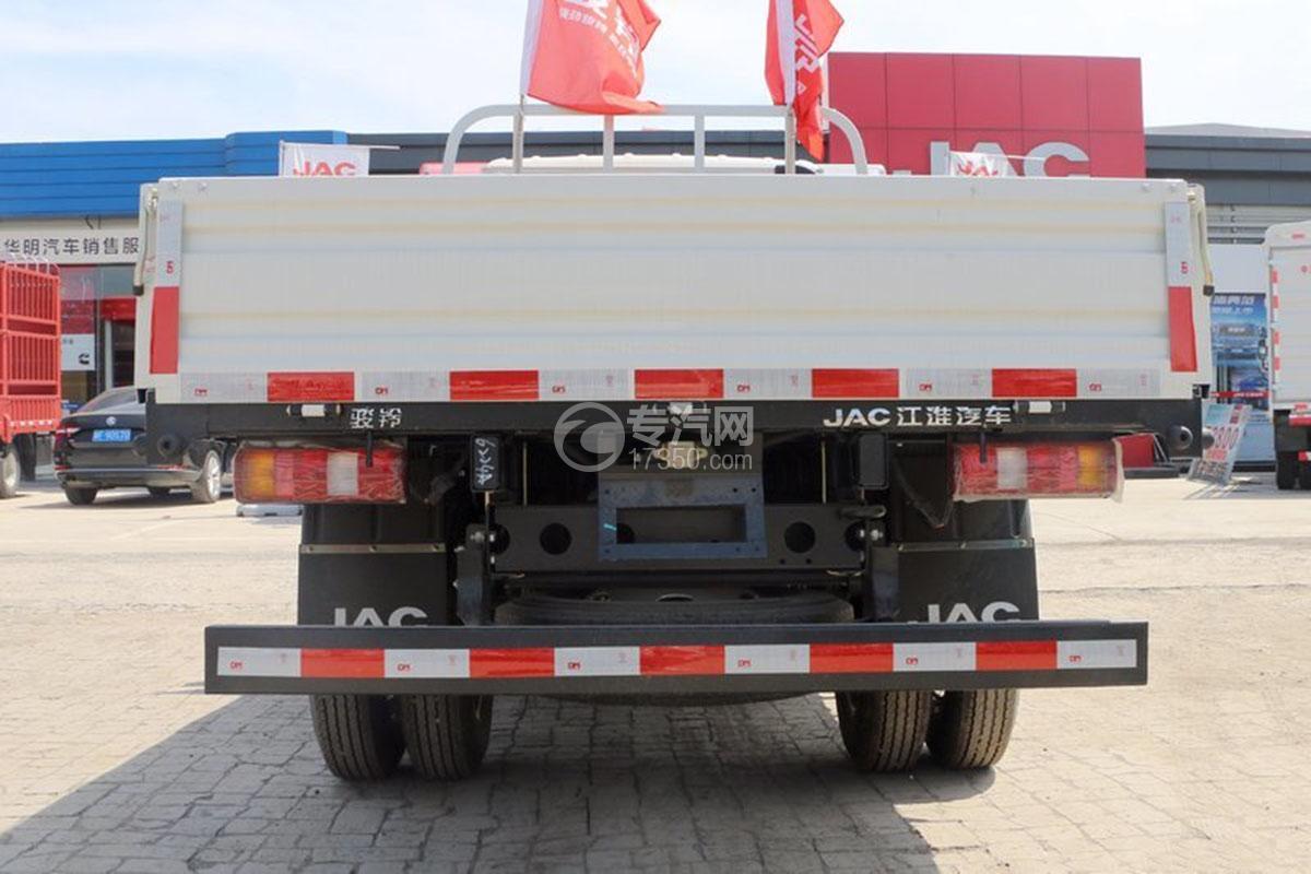 江淮骏铃E3排半3.37米载货车正后方图