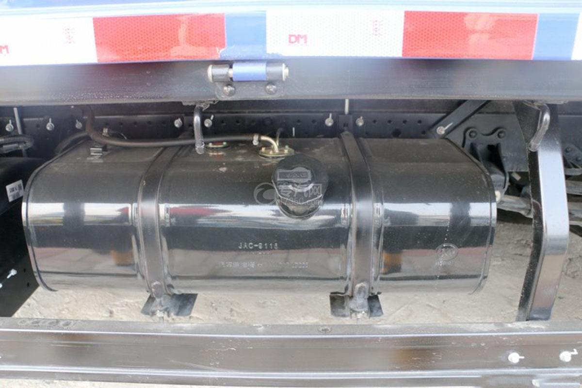 江淮骏铃E5单排4.18米载货车油箱