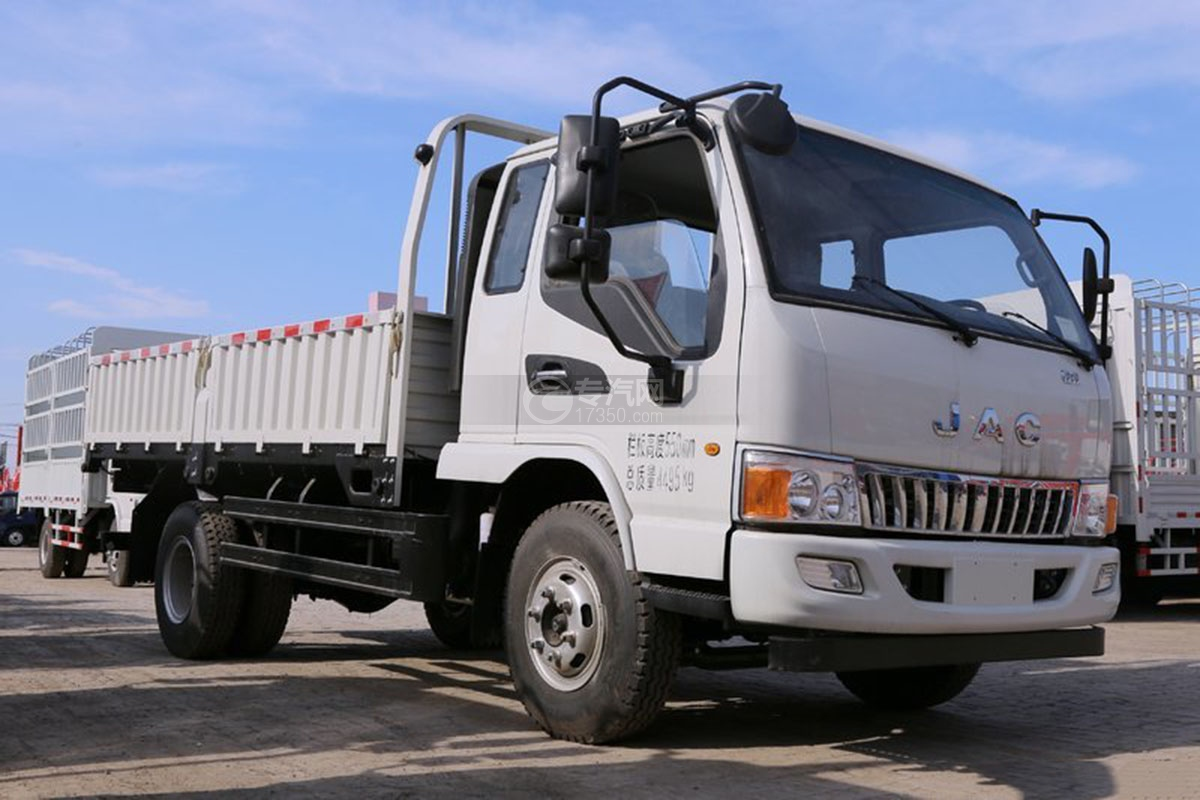 江淮骏铃E6排半3.85米载货车图片