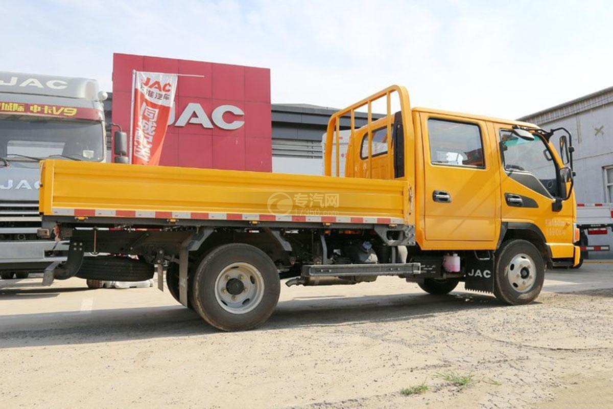 江淮駿鈴E3 3.2米雙排載貨車側面圖