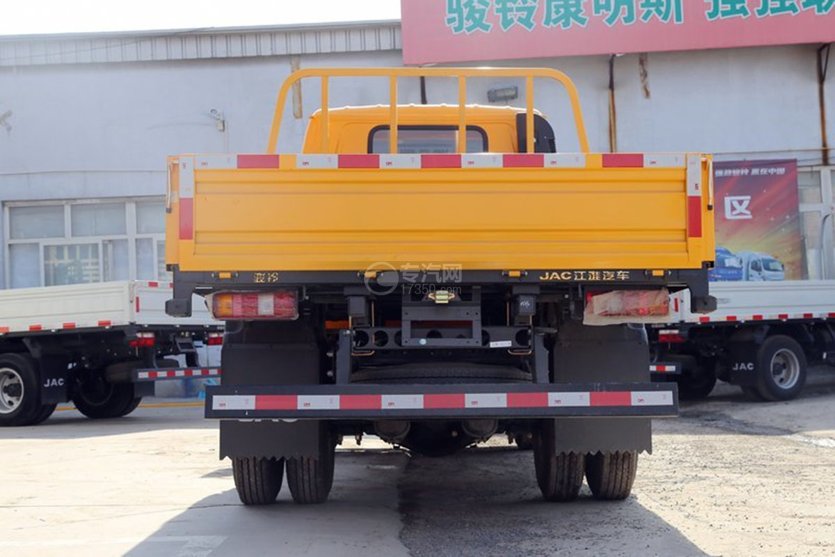 江淮駿鈴E3 3.2米雙排載貨車后方圖