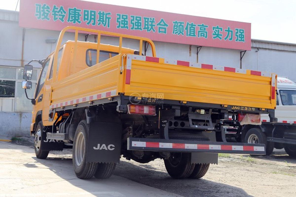 江淮駿鈴E3 3.2米雙排載貨車側后方圖