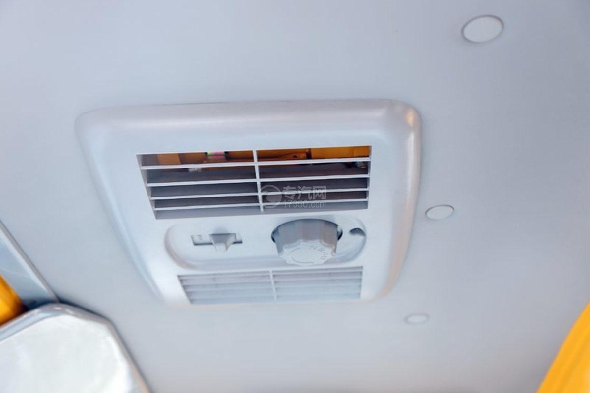 江淮駿鈴E3 3.2米雙排載貨車空調