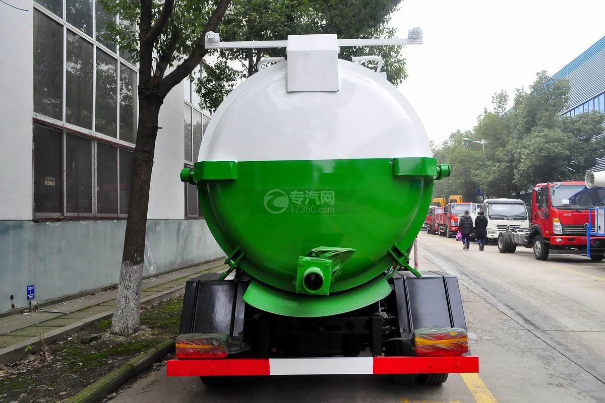 东风多利卡D7餐厨式垃圾车正后方图
