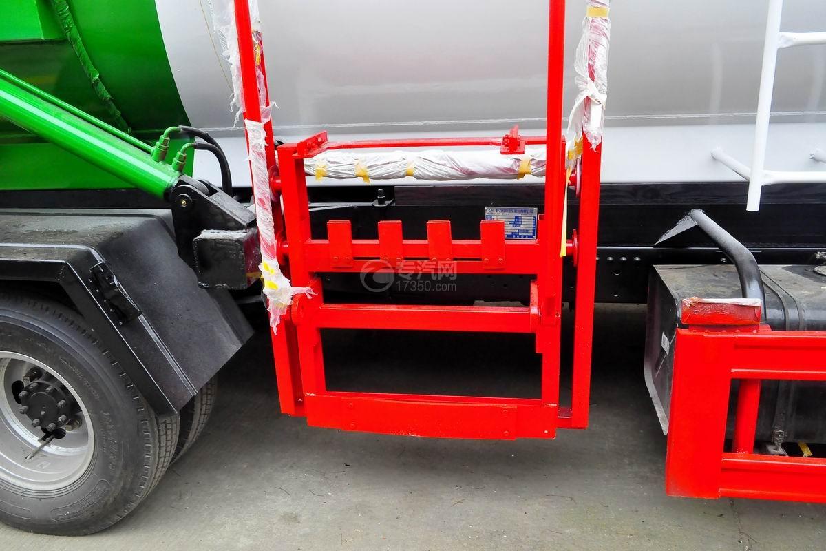 东风多利卡D7餐厨式垃圾车上装提升机构