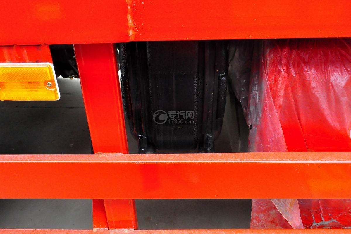 东风T5单桥平板运输车尿素箱