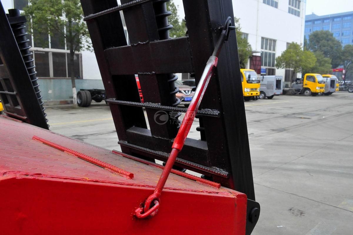 东风T5单桥平板运输车上装细节