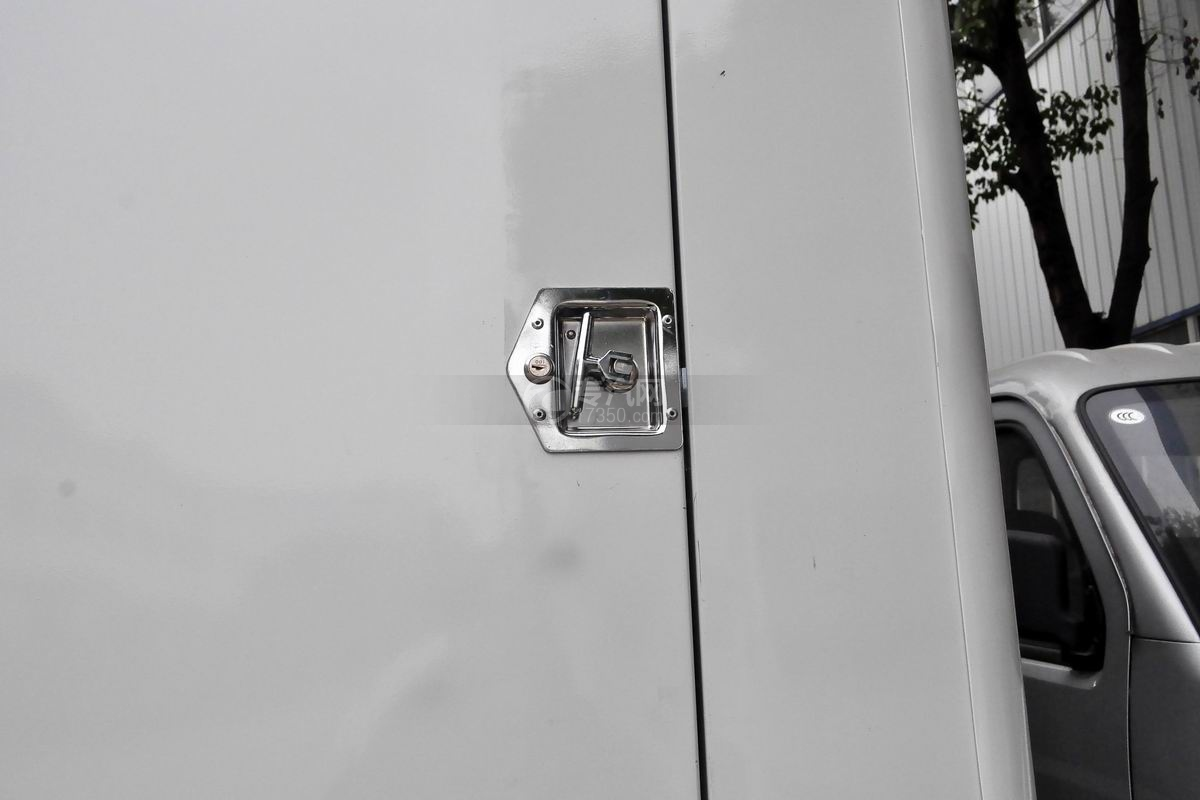 解放虎VN LED广告宣传车上装锁具
