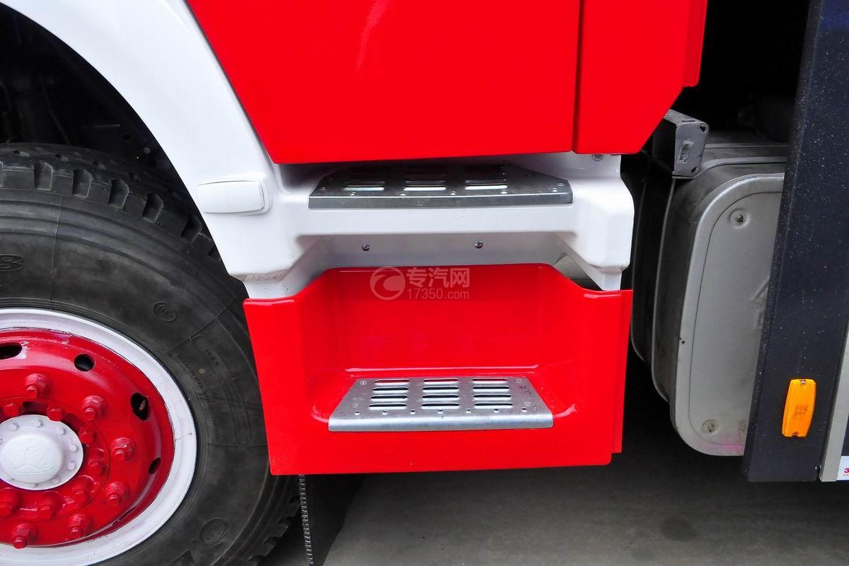 重汽豪沃单桥干粉泡沫联用消防车油箱