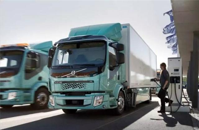 沃尔沃电动卡车发布:重16吨续航300公里,接下来还有无人驾驶版