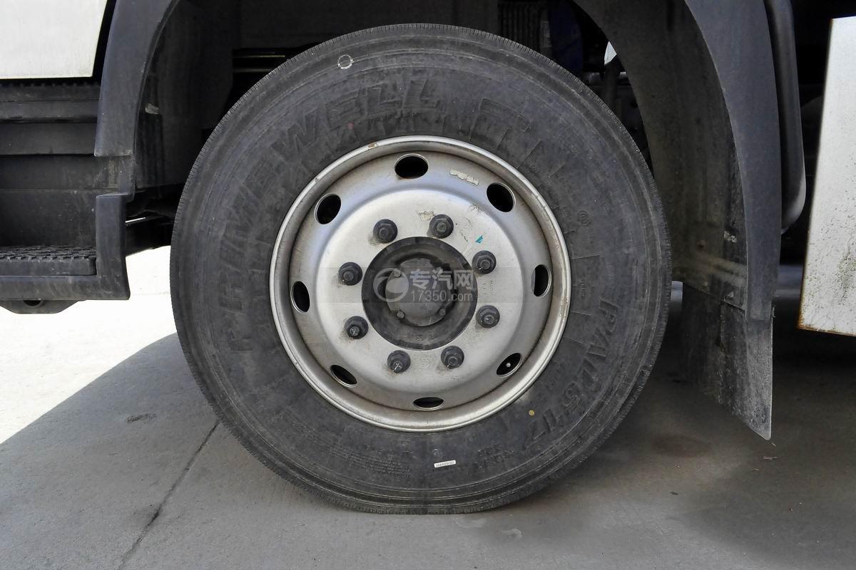 福田欧马可S5一拖二清障车轮胎