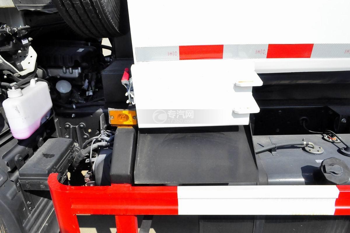 江淮骏铃E6自装卸式垃圾车底盘细节