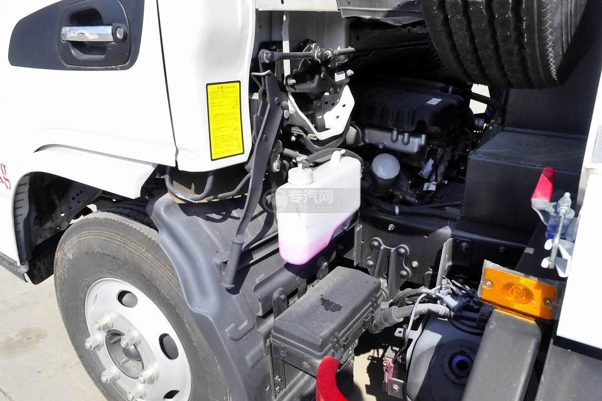 江淮骏铃E6自装卸式垃圾车驾驶室翻转机构