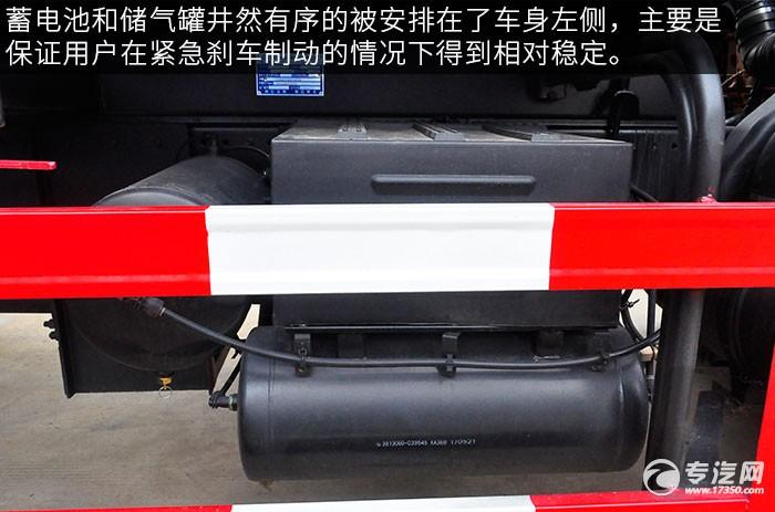 東風多利卡D9綠化噴灑車的電池