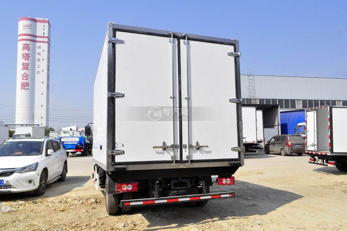 福田欧马可S3冷藏车左后图