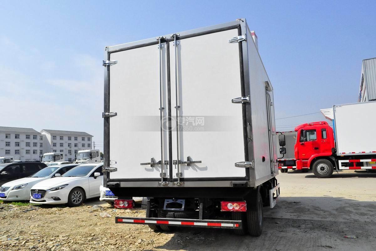 福田欧马可S3冷藏车右后图