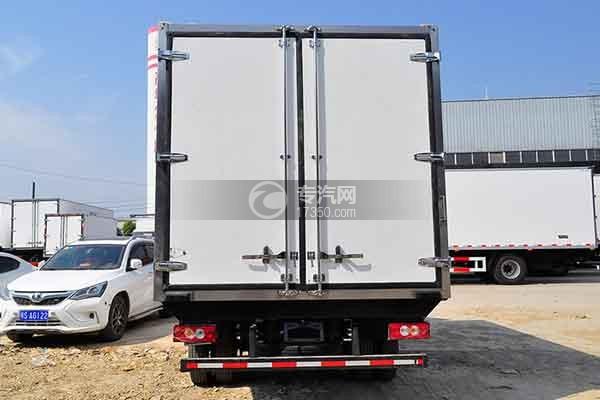 福田欧马可S3冷藏车正后图