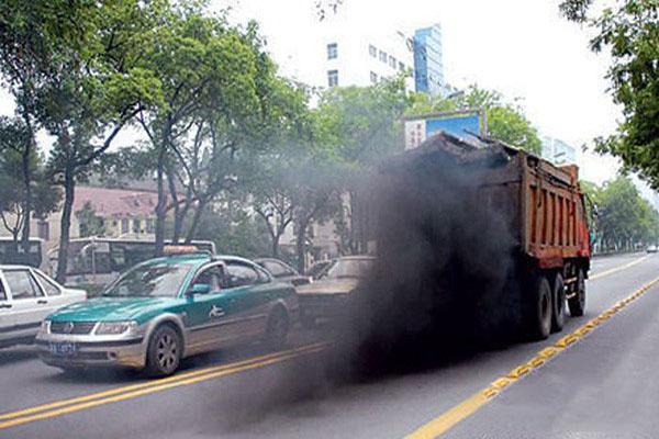 """聽老司機告訴你行車冒黑煙的6大""""元兇""""!"""