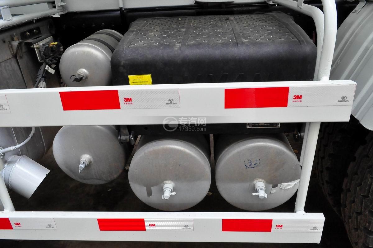 福田欧曼前四后八搅拌车储气罐、蓄电池