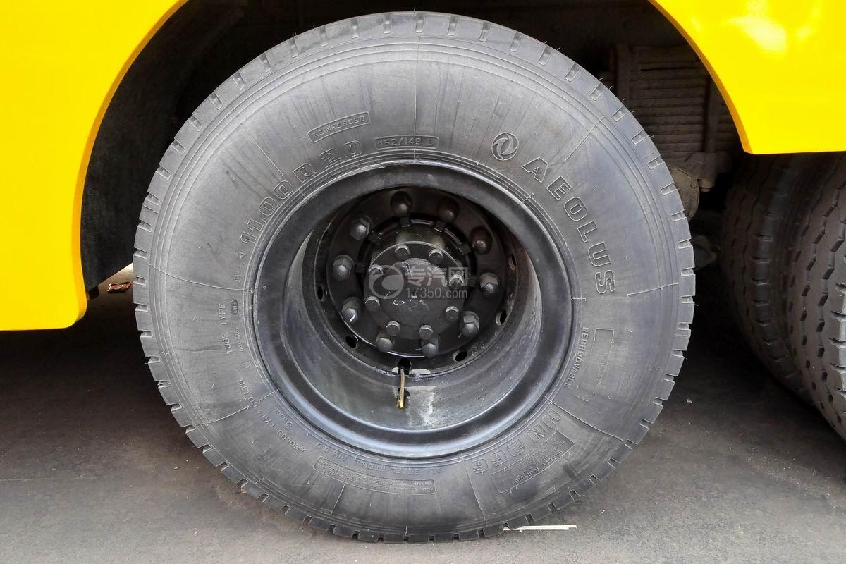 东风天龙电动后双桥厢式货车轮胎