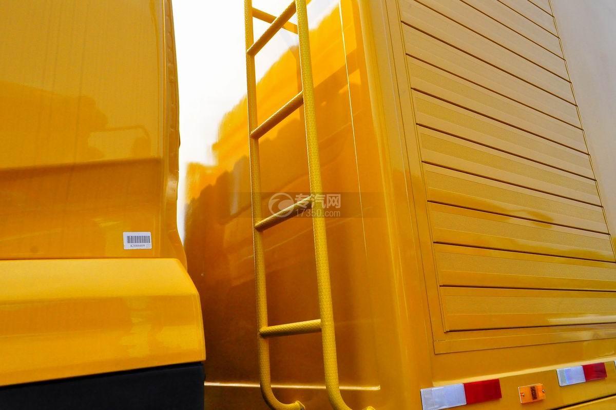 东风天龙电动后双桥厢式货车安全梯
